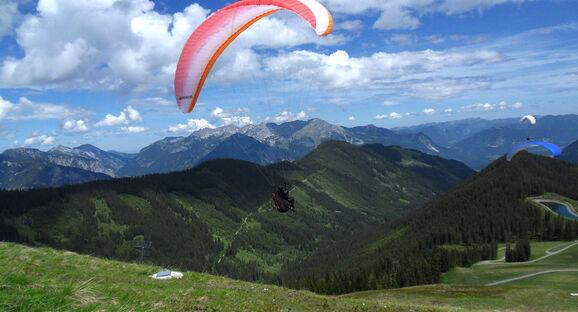 Tiroler Flugbergrunde